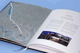 Дизайн брошюры мб-плаза (раскрытый разворот со схемой конкурентного бизнес-окружения)