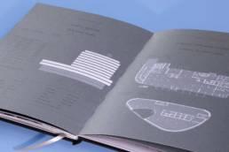 Дизайн брошюры мб-плаза (раскрытый разворот со схемой и планировкой здания)
