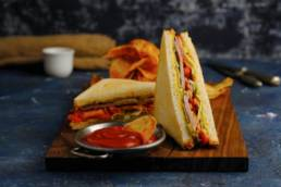 Фотосессия для ресторана Zotto (Зотто). Аппетитная съёмка сендвича.